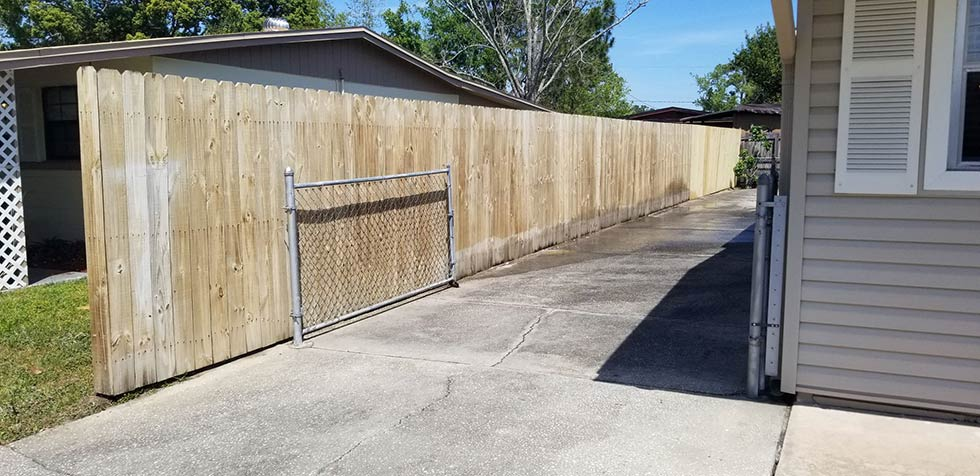 Fence Staining Jacksonville 4